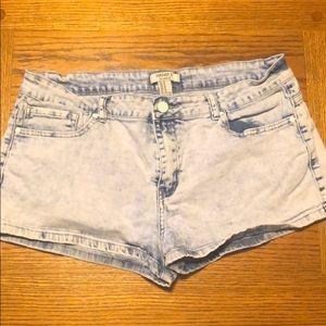Forever 21 stretch denim jean shorts size 31